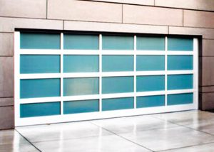 Glassy Garage Door Semarang