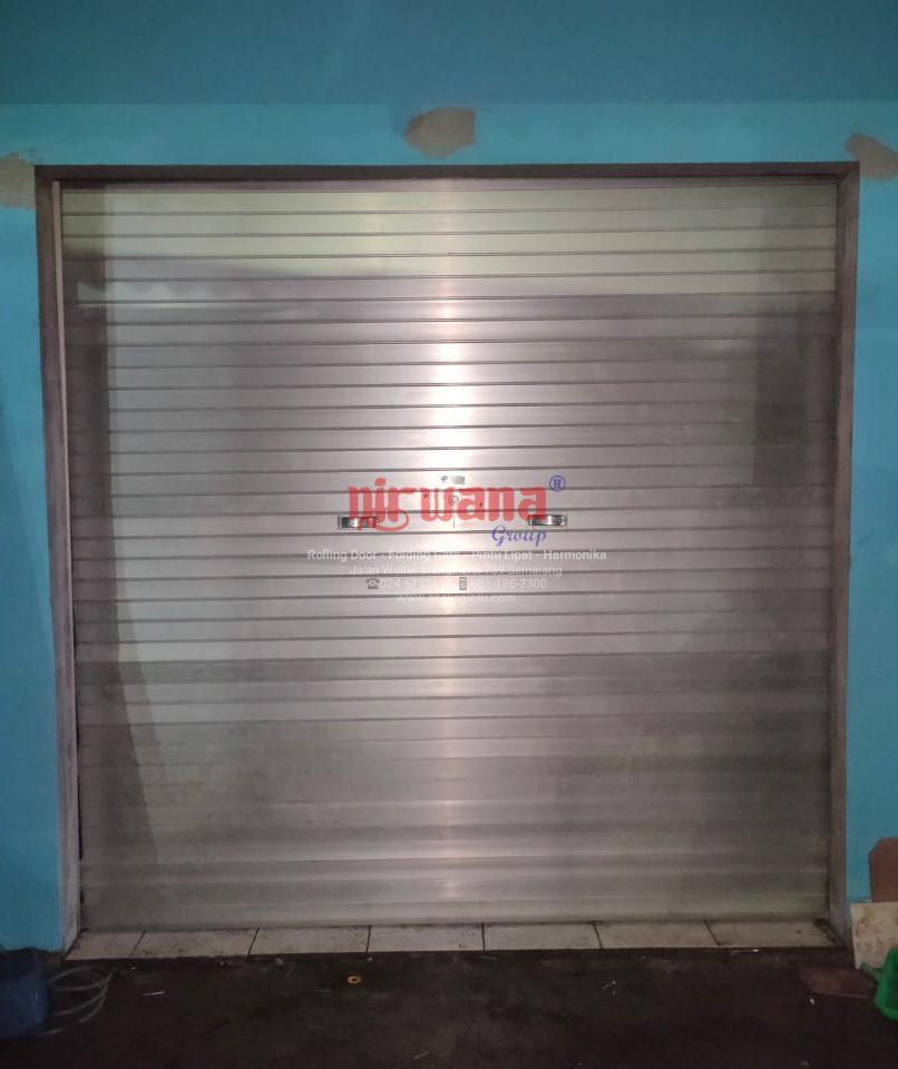 Pemasangan-Pintu-Rolling-Door-Aluminium-di-Pasar-Klipang-Semarang-Jawa-Tengah