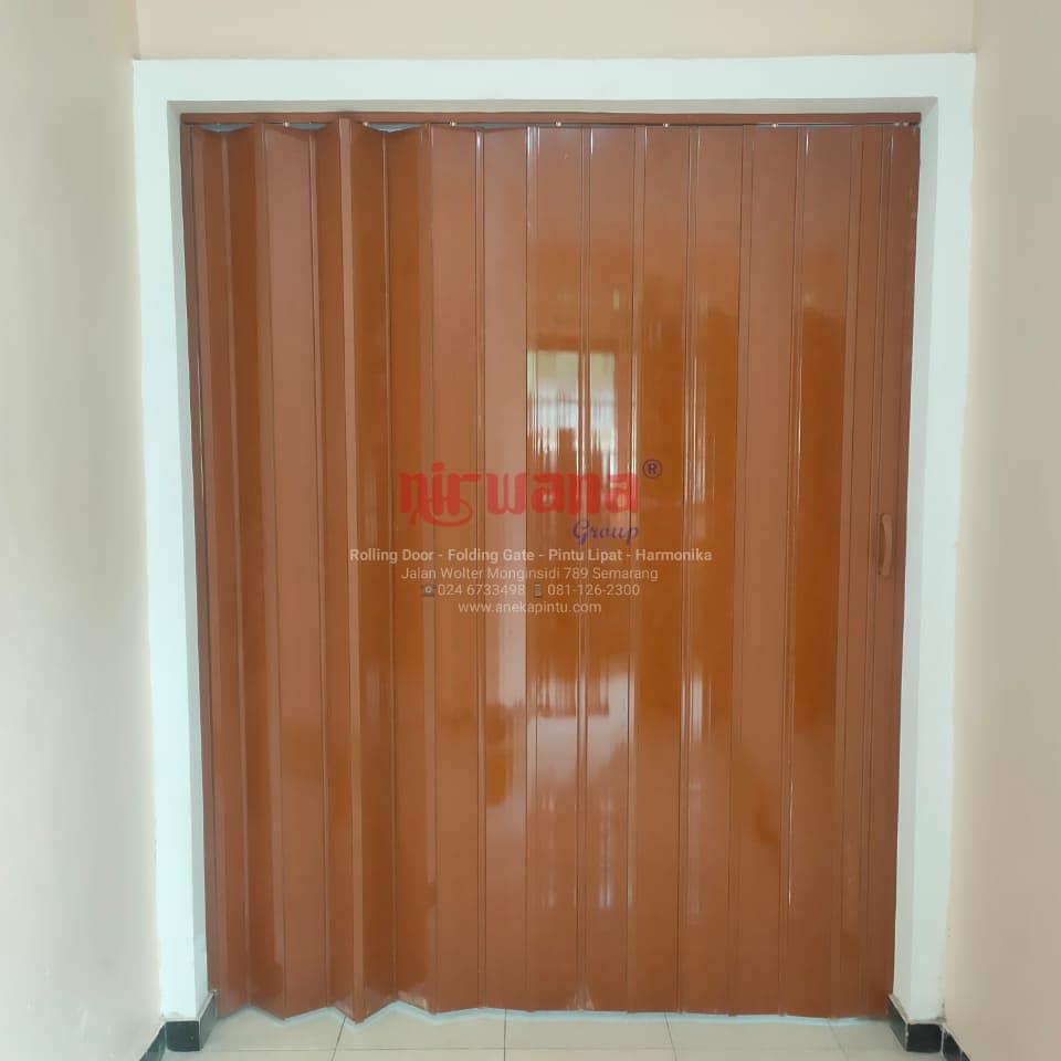 Pemasangan-Folding-Door-di-Truntum-Pedurungan-Semarang-Jawa-Tengah