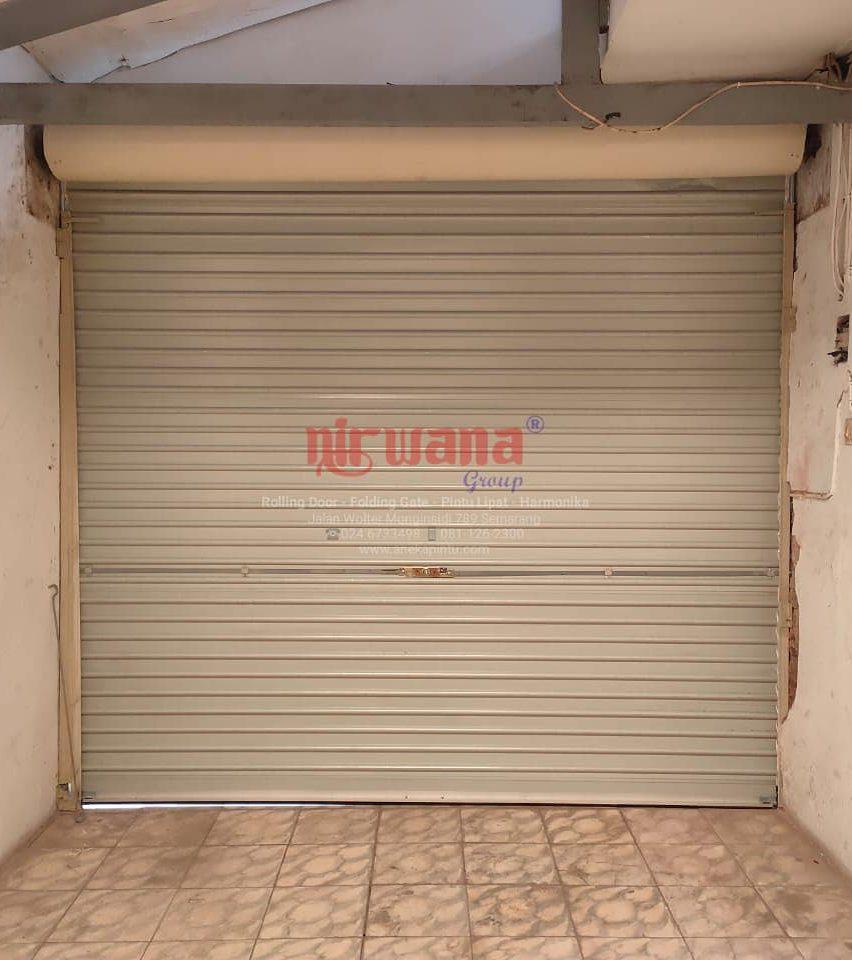 Pemasangan-Rolling-Door-One-Sheet-Polos-Di-Tanah-Mas-Semarang-Jawa-Tengah